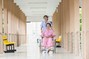 mercado de trabalho de cuidador de idoso