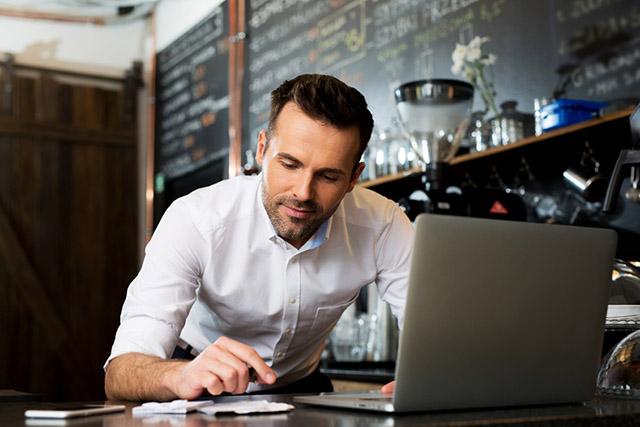 Quais cursos auxiliam na gestão de restaurantes