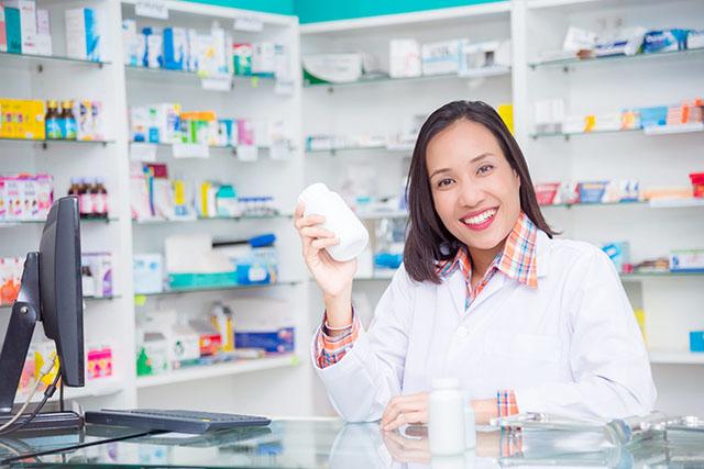 O que é um atendente de farmácia e quais as suas atribuições?
