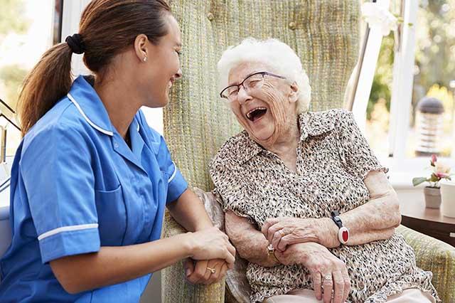 O mercado para cuidadores de idosos