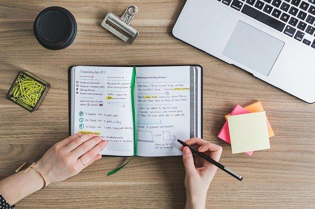 Crie um cronograma de estudos